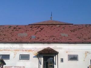 jegveres034 300x225 Jégverés az abádszalóki templom és iskola épületén